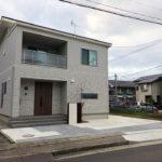 駐車スペースと門柱の施工例【新築外構 K様邸】